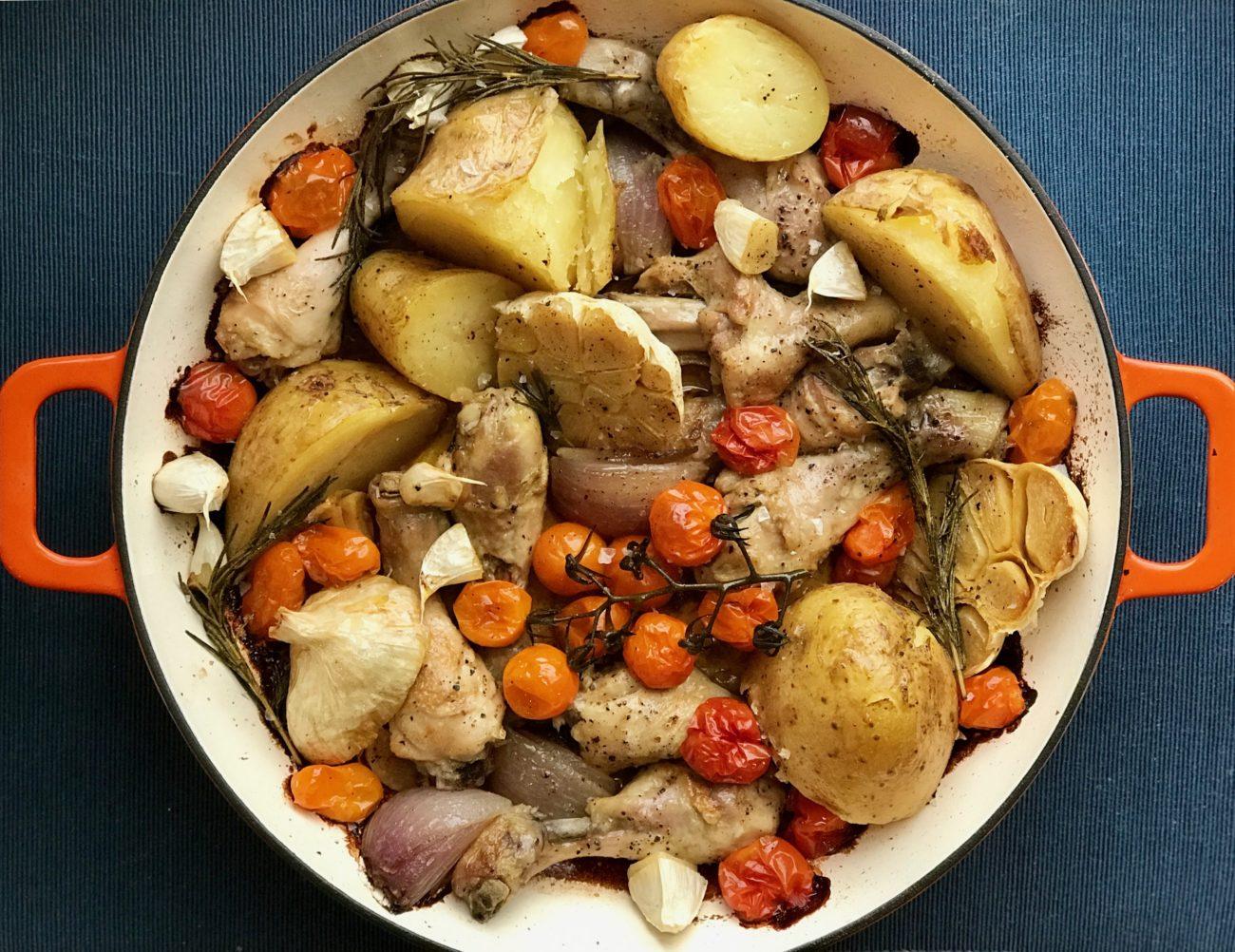 עוף עם ירקות צלויים