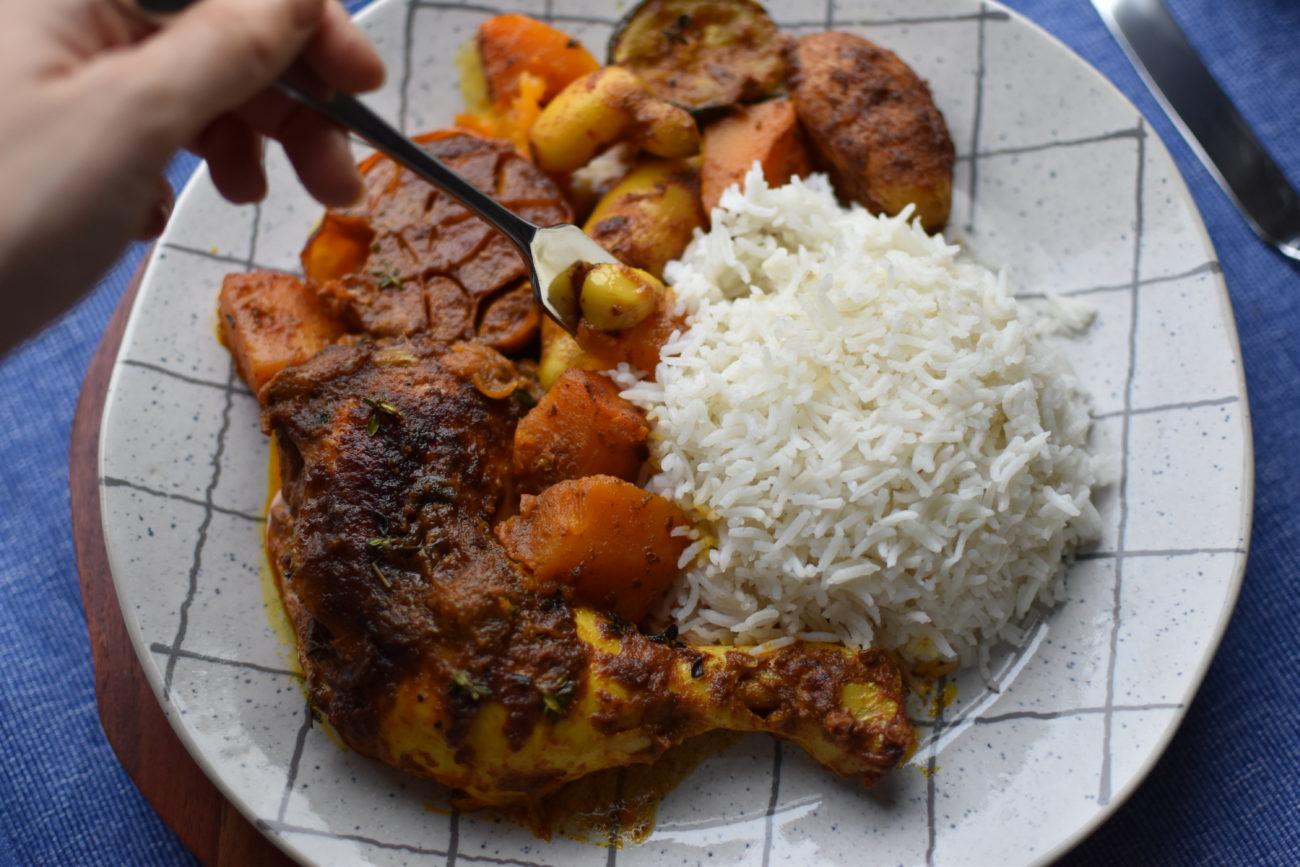 כשהמזרחי והמזרח נפגשים – עוף עם ירקות ותבלינים בחלב קוקוס
